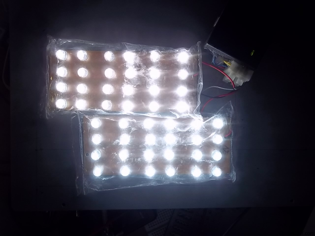 Diy Led Driver For 5watt Leds 12v Strips From 100 240 Vac Watt Circuit View 3 This Is The In Action